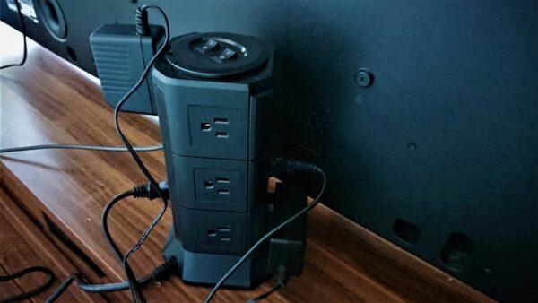タワー式電源タップ